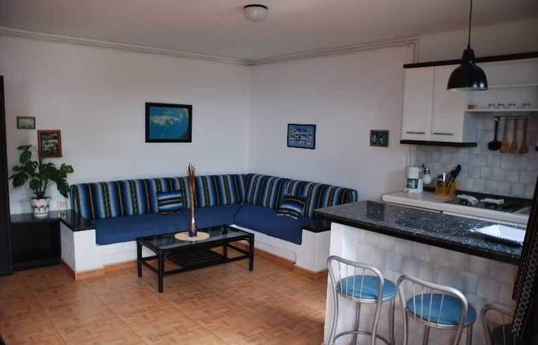 Apartamentos Alberto - Room - 3