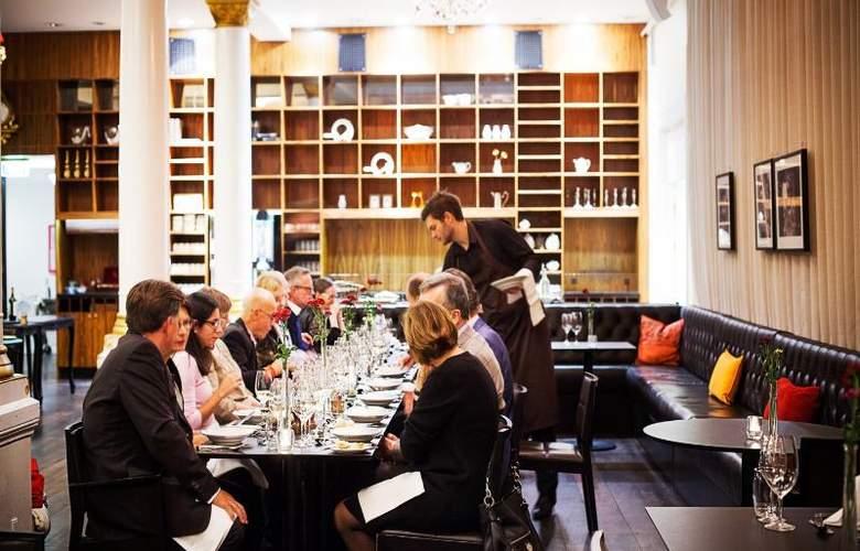 First Grand - Restaurant - 15
