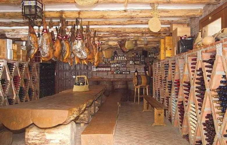 Refugio de Juanar - Restaurant - 9
