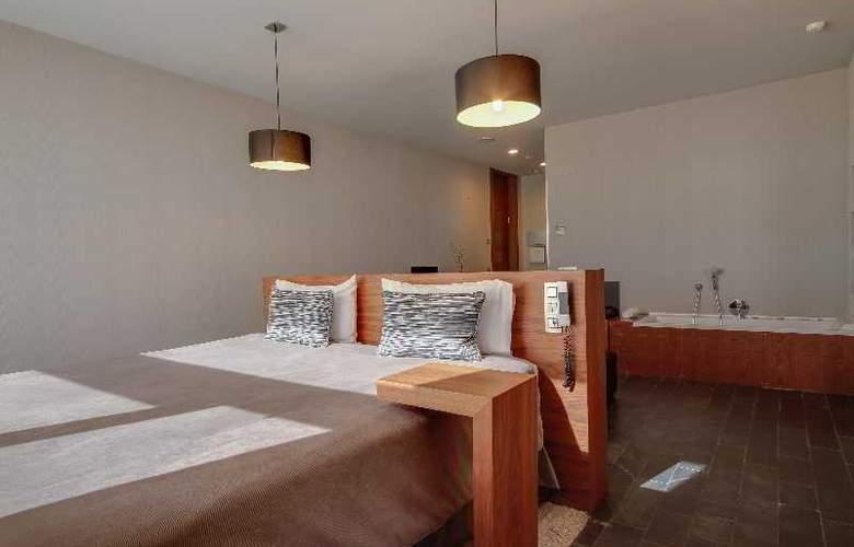 Rafaelhoteles Madrid Norte - Room - 25