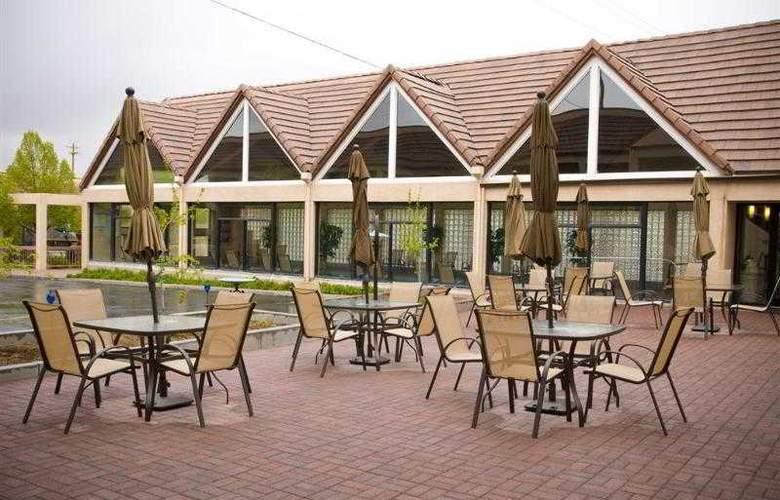 Best Western Town & Country Inn - Hotel - 74