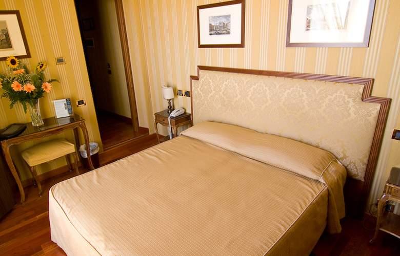 Exe Della Torre Argentina - Room - 2