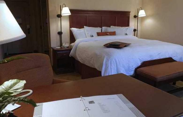 Hampton Inn & Suites Plymouth - Hotel - 0
