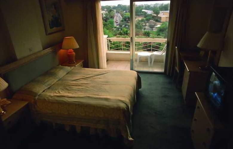 Bilfer Palm Beach - Room - 2