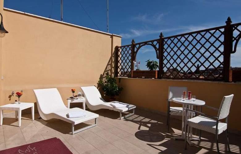 Best Roma - Terrace - 13