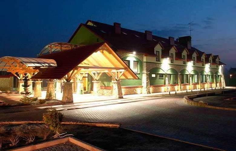 Navariya Nova - Hotel - 1
