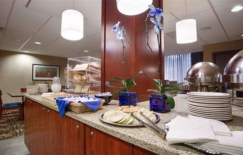 Best Western Plus Hotel Tria - Restaurant - 127