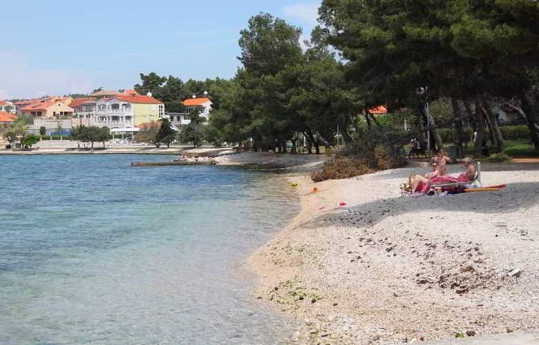 Marijan - Beach - 8