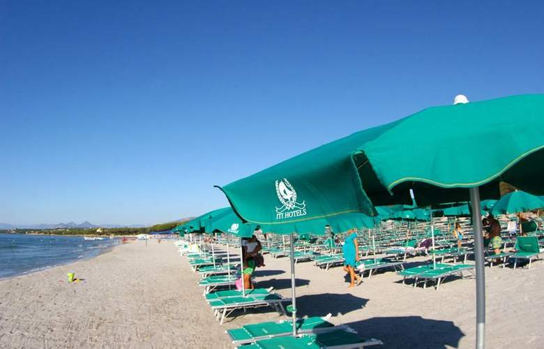 Club Torre Moresca - Beach - 3