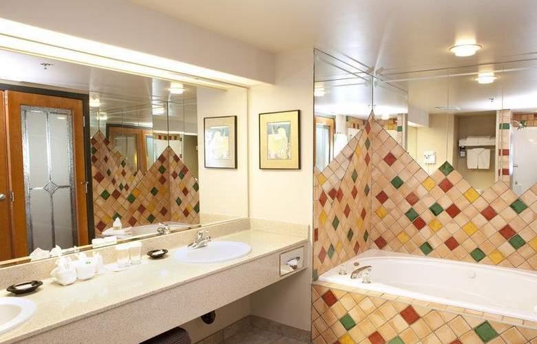 Best Western Plus Pocaterra Inn - Room - 124