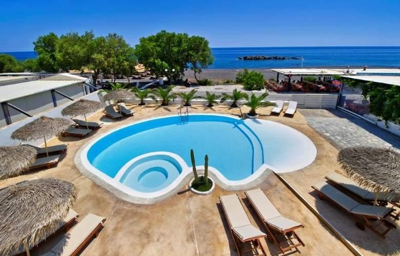 Nissia Apartments - Pool - 1