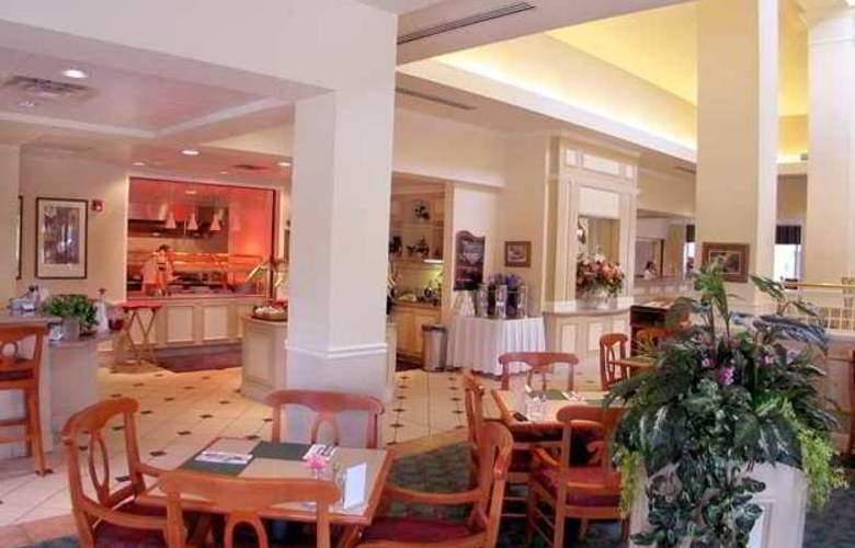 Hilton Garden Inn Redding - Hotel - 13