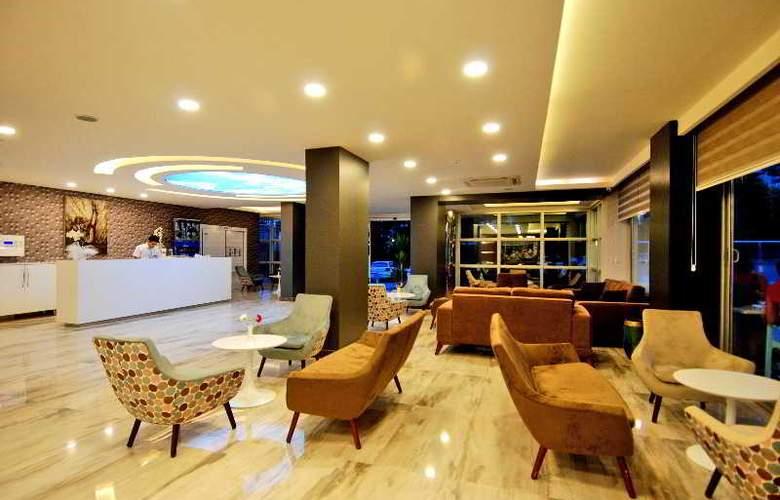 Kleopatra Ramira Hotel - General - 1