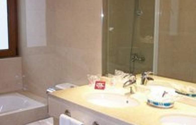 II Castillas Madrid - Room - 1