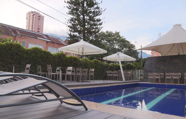 The Morgana Poblado Suites Hotel - Pool - 16
