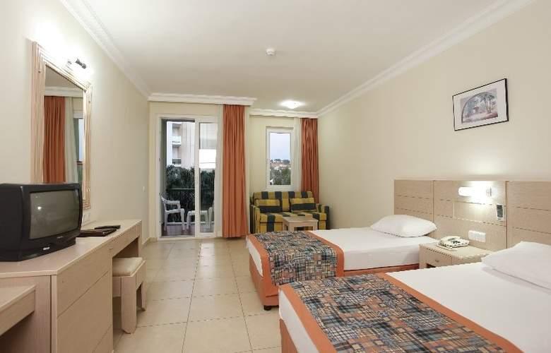 Gardenia Beach - Room - 2