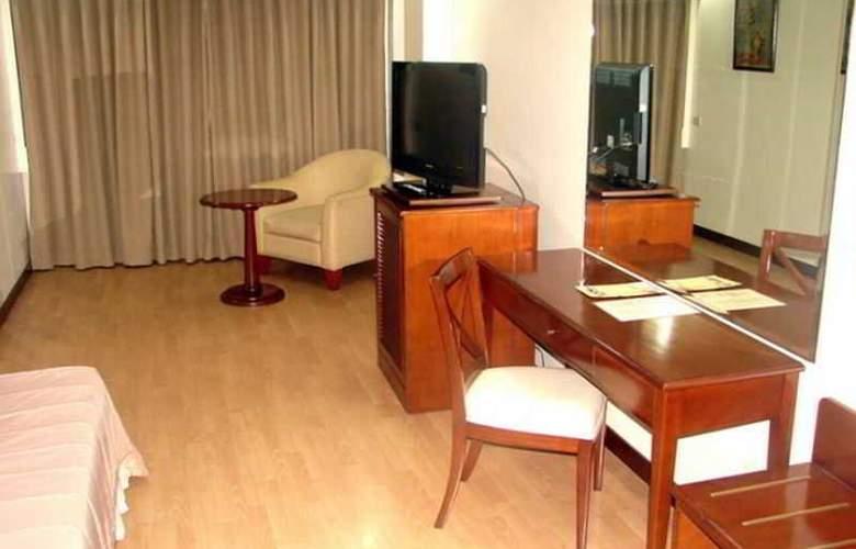 Robbinsdale Residences - Room - 8