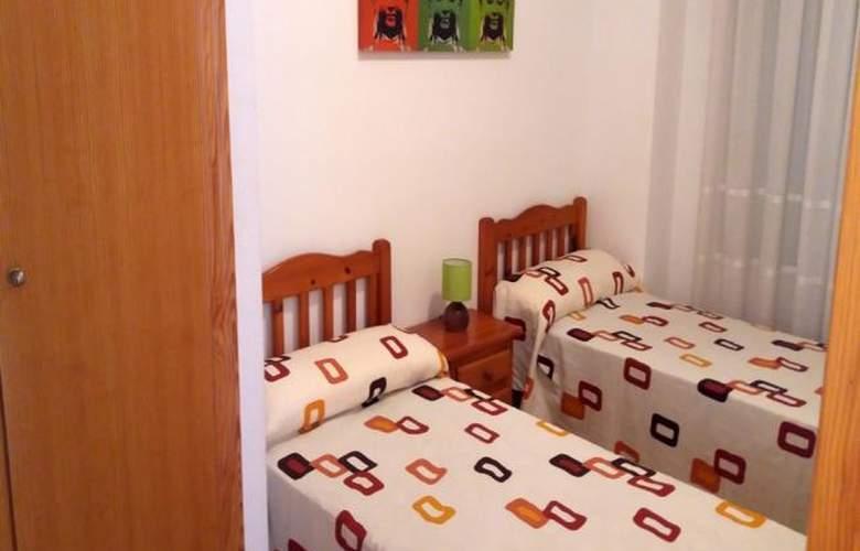 Apartamentos Oropesa 3000 Sin Piscina - Room - 2