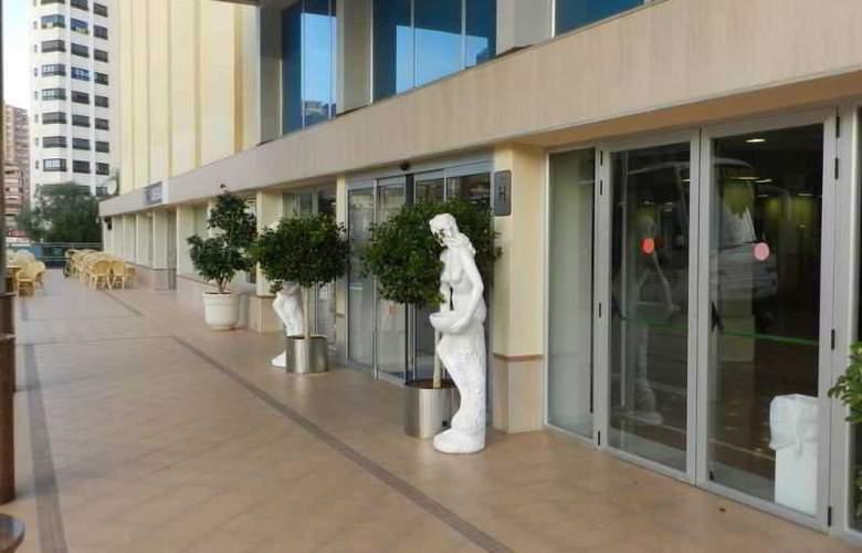 Blue Sea Calas Marina - Hotel - 11