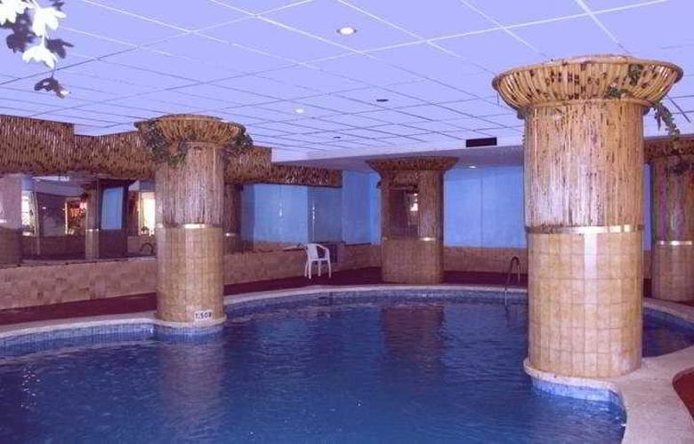 Esplendid - Pool - 5