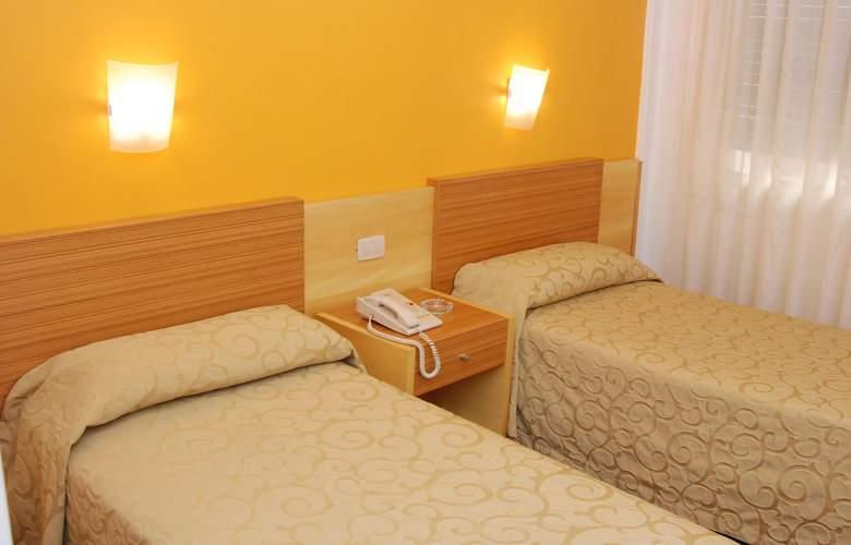 Gran Hotel Orly - Room - 11