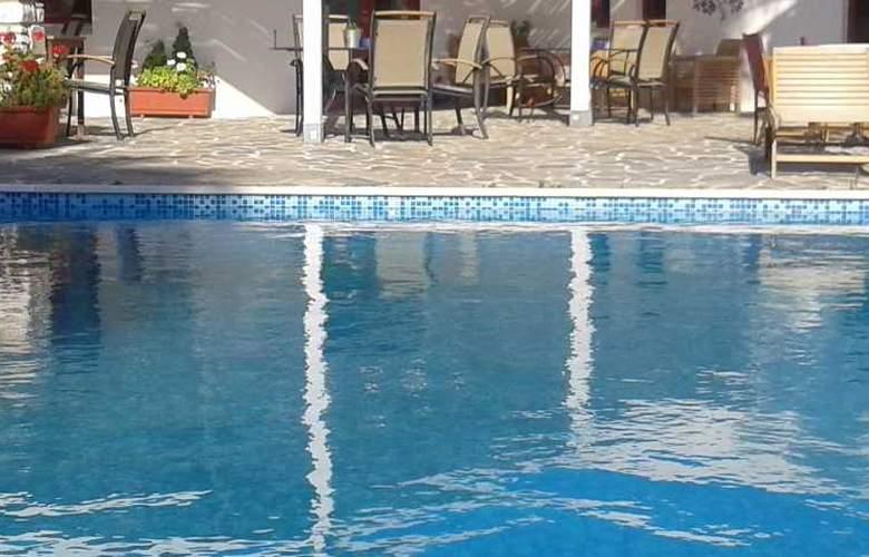 Sea View - Pool - 17