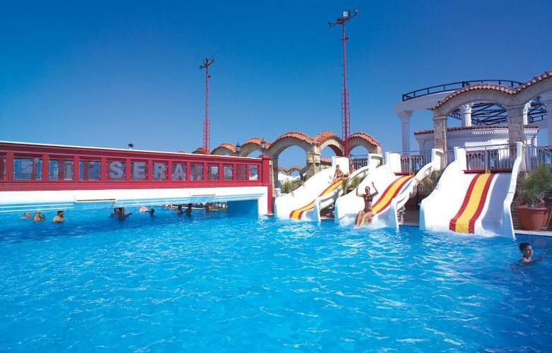 Club Hotel Sera - Pool - 21
