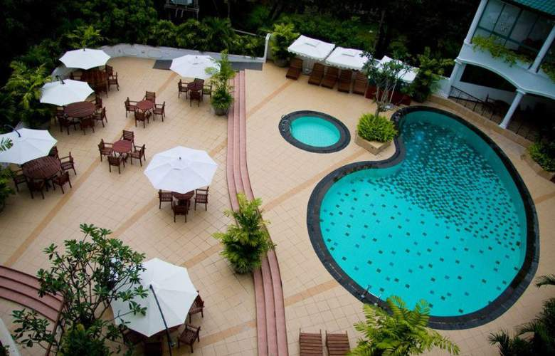 Clarion - Pool - 7