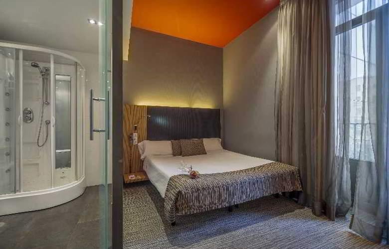 Hotel Petit Palace Plaza del Carmen - Room - 17