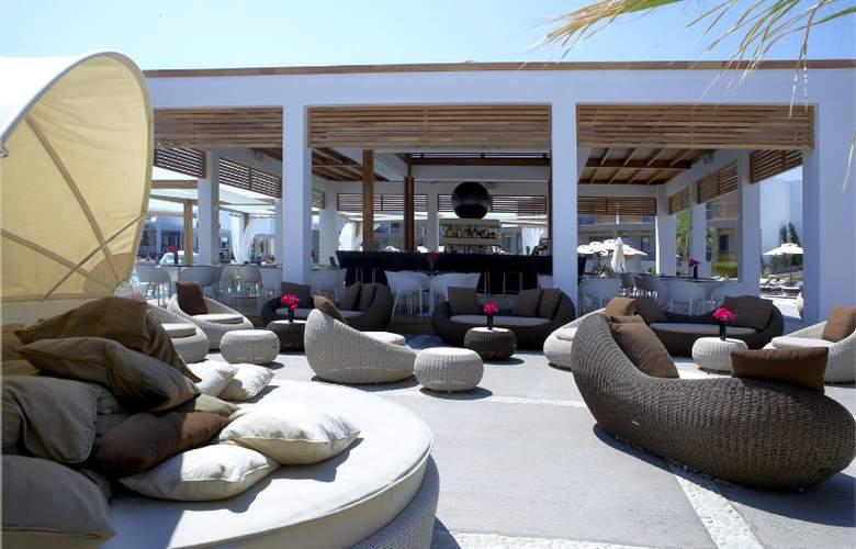Pelagos Suites Hotel - Bar - 3