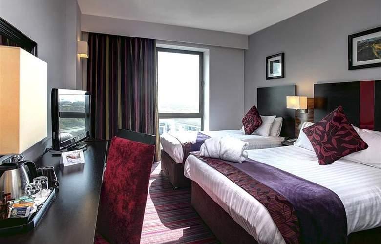 Clayton Cardiff - Room - 50