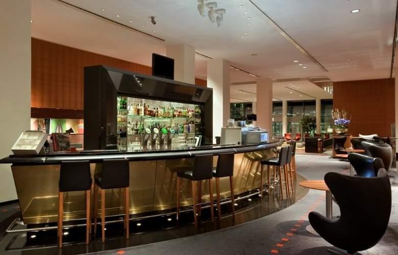 Hilton Copenhagen Airport - Bar - 22