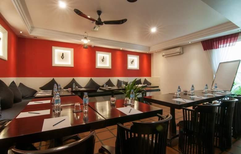 La Rose Suites - Restaurant - 4