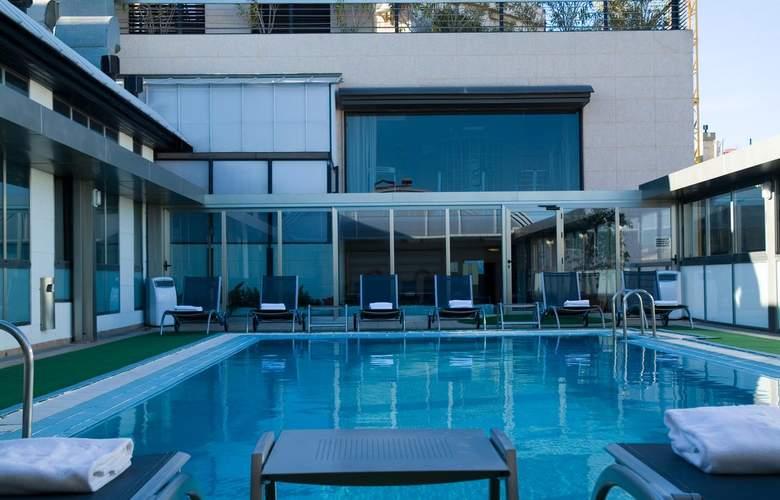 Sh Valencia Palace - Pool - 22