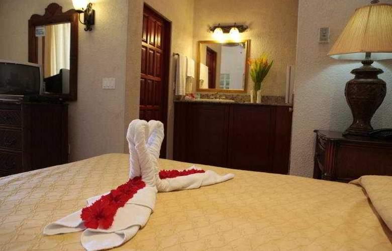 Las Sirenas Hotel & Condos - Room - 2
