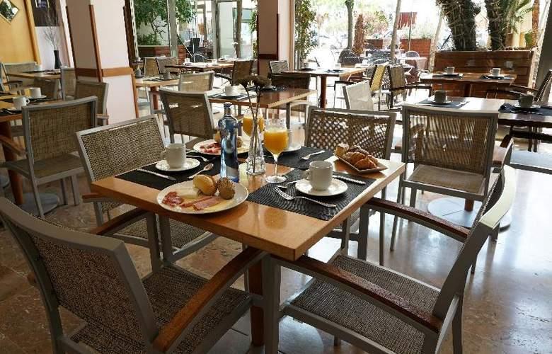 Port Sitges Resort - Restaurant - 23