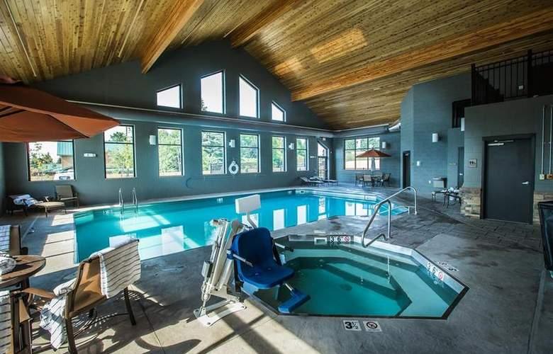 Best Western Ivy Inn & Suites - Pool - 72