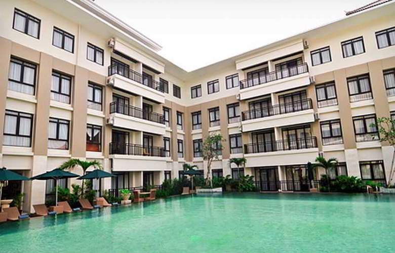 Grand Kuta Hotel and Residence - Pool - 9