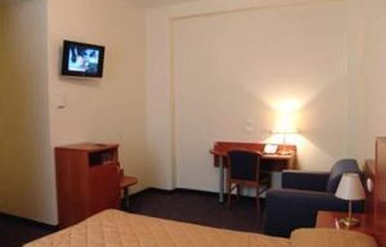 Belmont - Room - 12