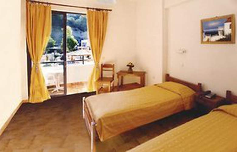 Golden Days Aparthotel - Room - 2