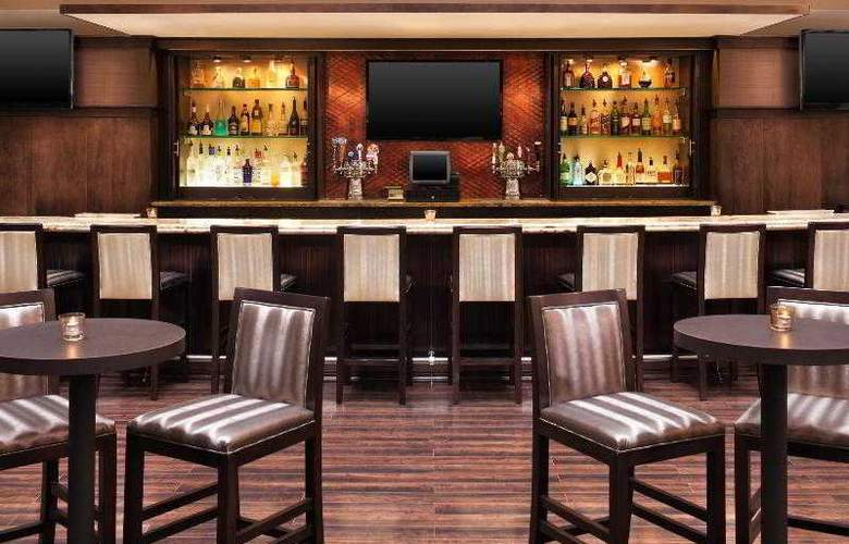 Sheraton Chicago O'Hare Airport Hotel - Bar - 22