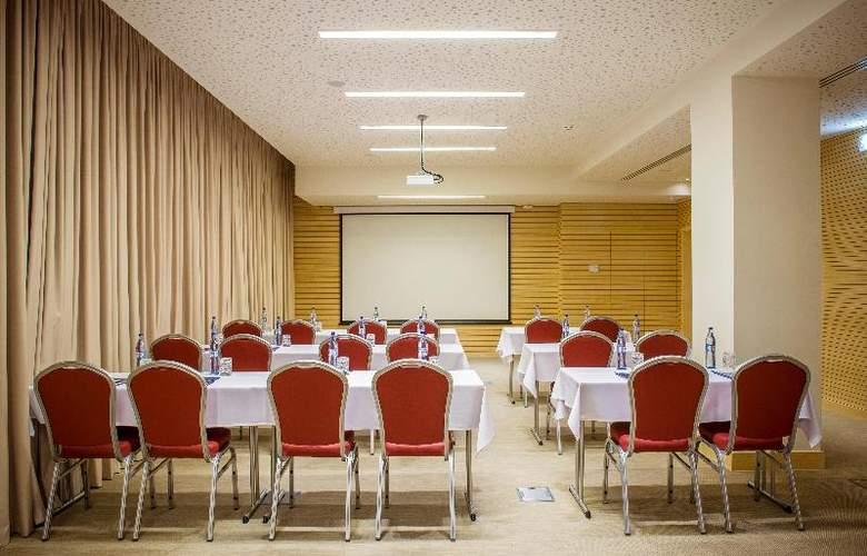 Occidental Lisboa - Conference - 12