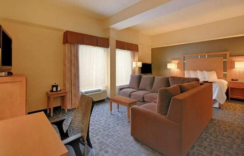 Hampton Inn Clinton - Room - 20