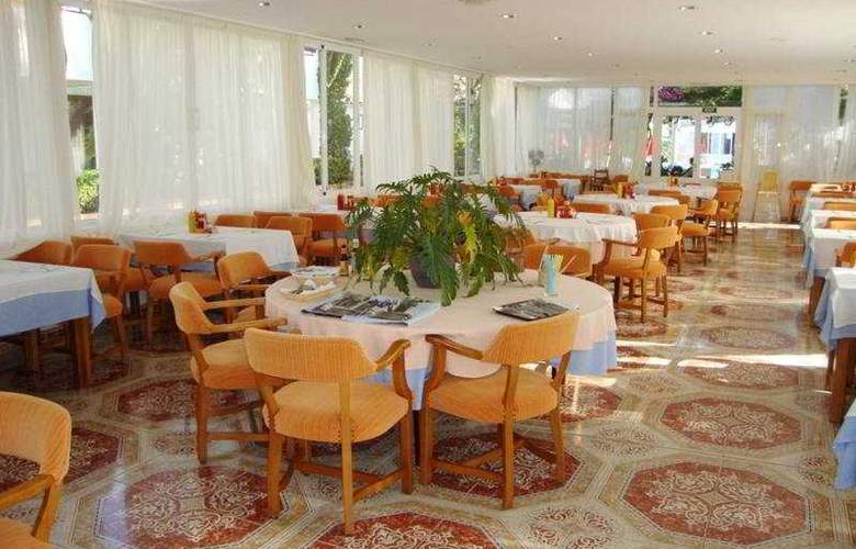 Cristina Apartamentos Villas - Restaurant - 6