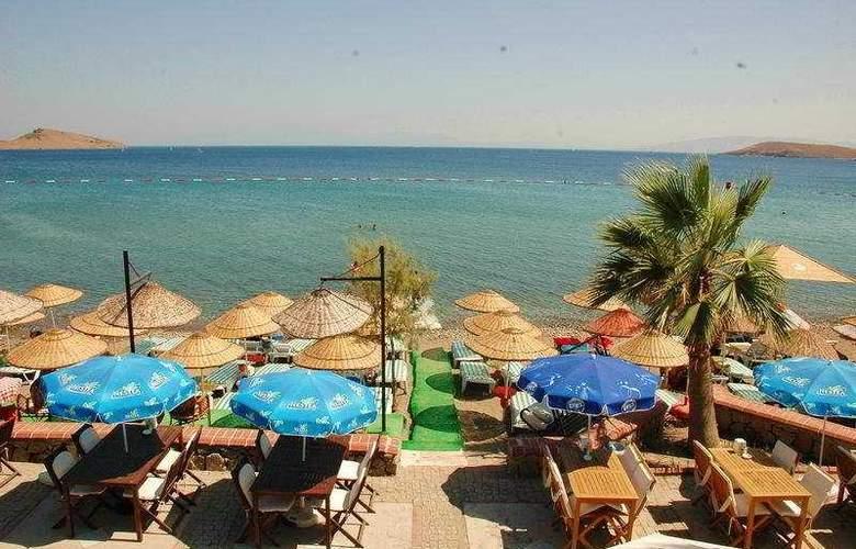 Summer Sun Beach Hotel - Beach - 3