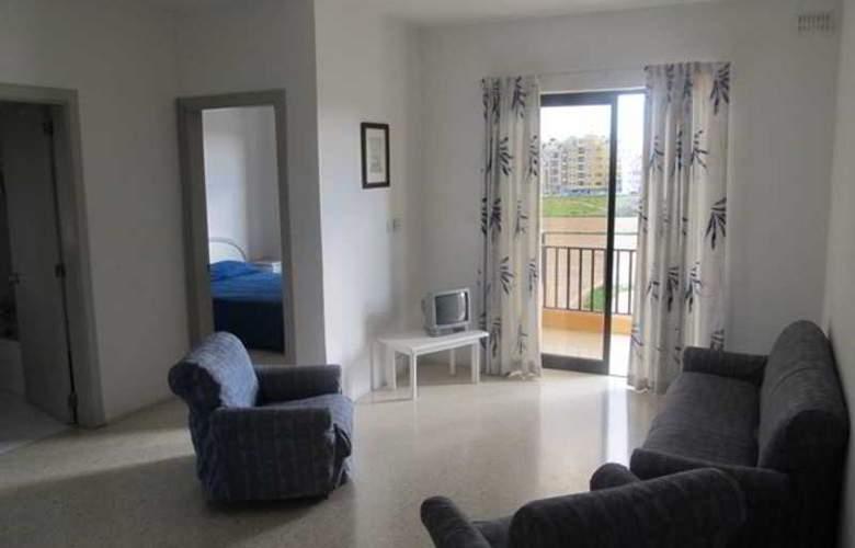 Shamrock Apartments - Room - 5