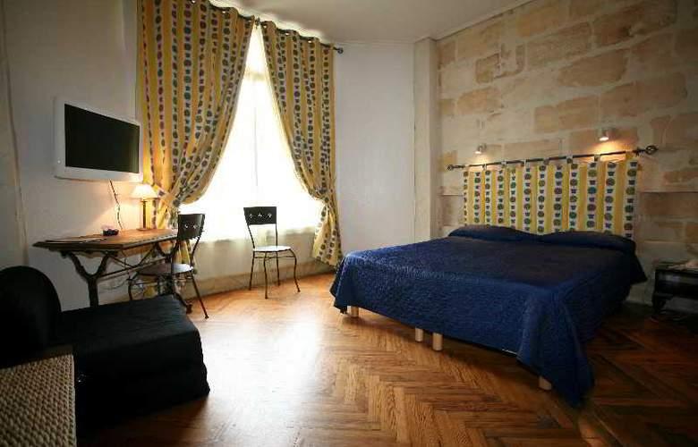 QUALYS-HOTEL LA TOUR INTENDANCE - Room - 15