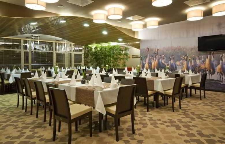 Hotel Platinum - Restaurant - 15