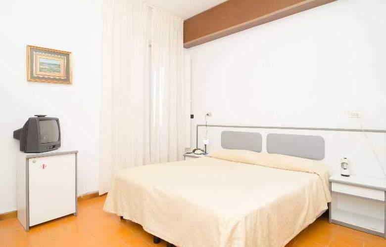 Flora - Room - 10