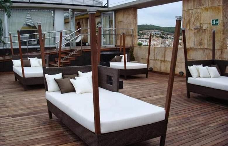 Exe Cunit Suites & Spa - Terrace - 4